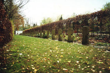 Gräber deutscher Soldaten auf dem katholischen Friedhof