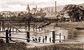 Holzbrücke über die Lenne